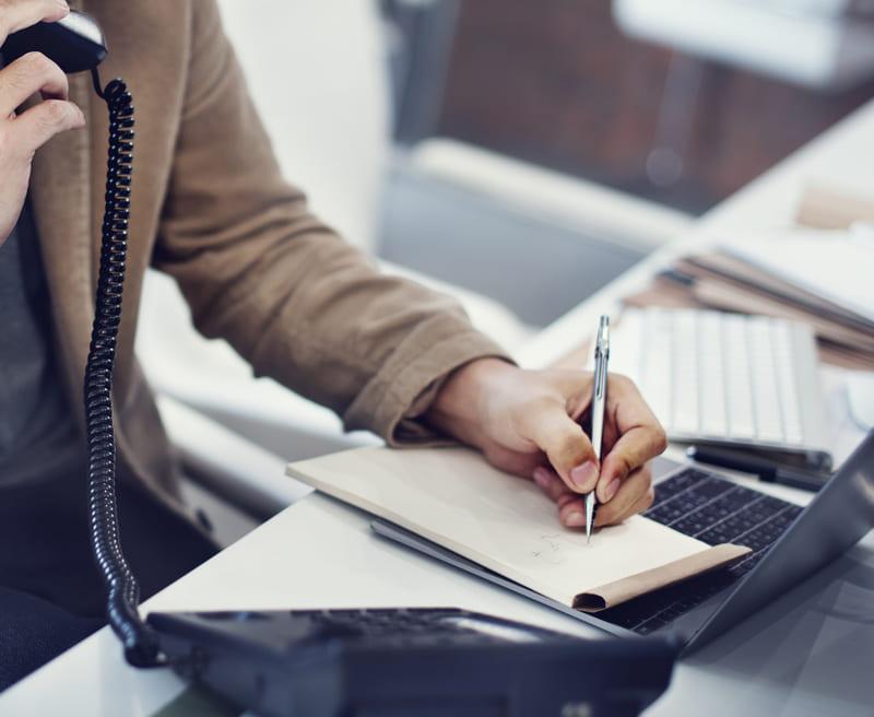 call-center-sanitario-y-como-contratarlo